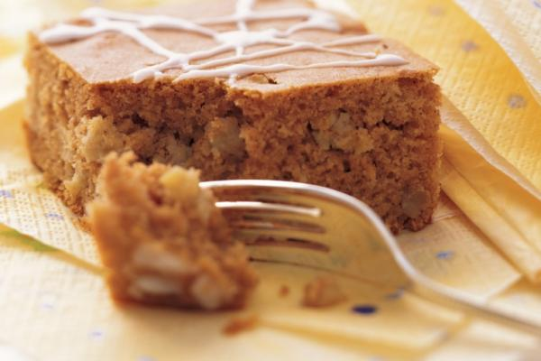 apple spice snacking cake