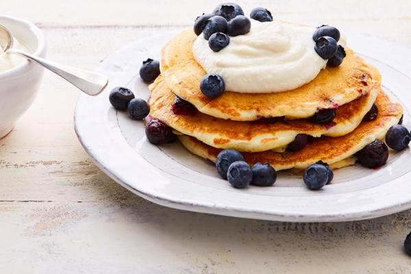 blueberry kefir pancakes