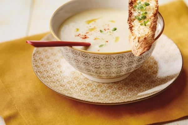 cream of onion soup with cheese crostini