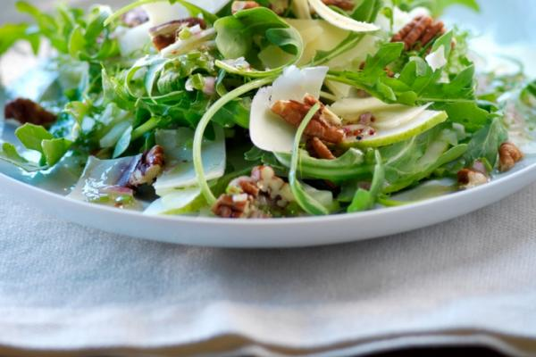fennel arugula cheddar and pecan salad