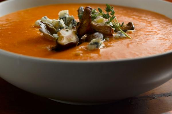 roasted pepper and parsnip soup