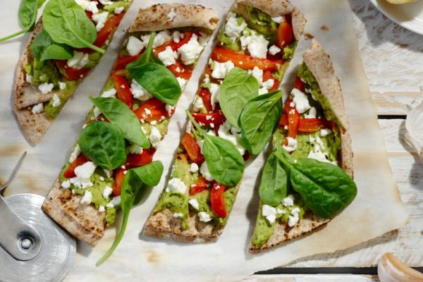 roasted pepper spinach and feta flatbreads