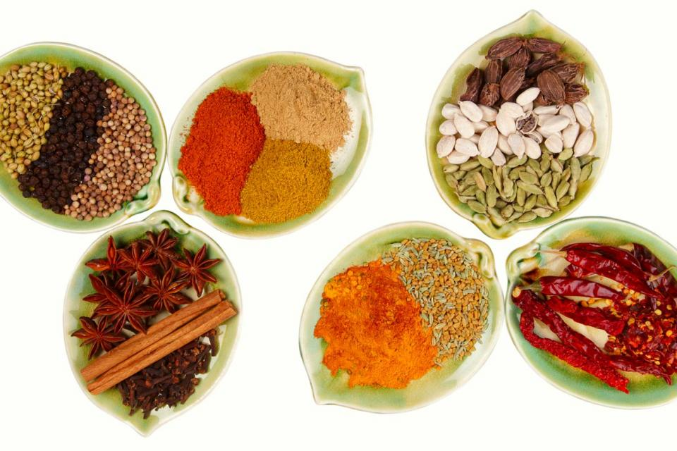 Variety of milled and unmilled spices