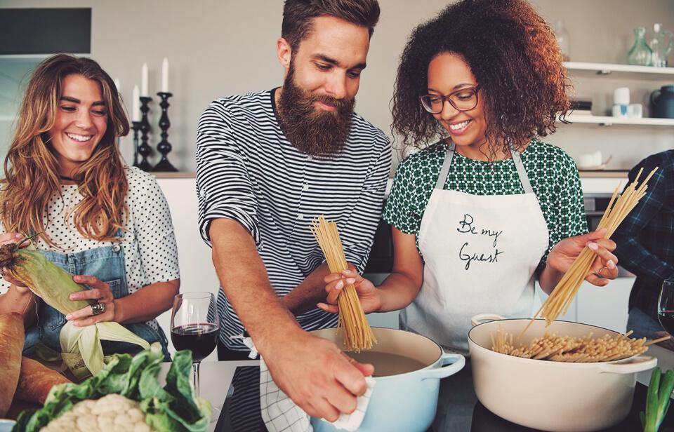 People who figured out how to start a cooking club – and love it