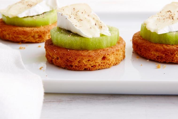 brie kiwi shortbread cookie