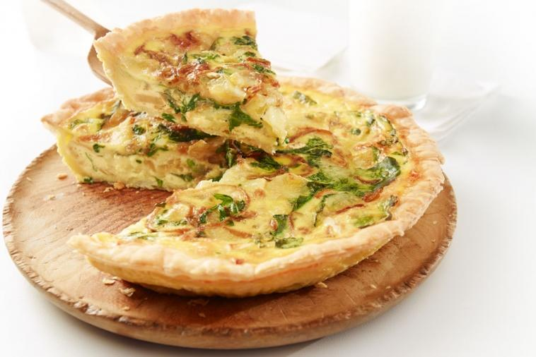caramelized onion arugula and brie tart