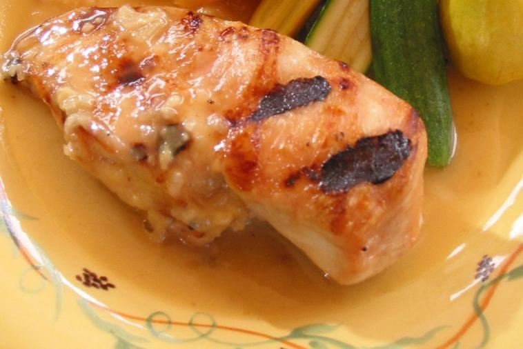 chicken breasts with honey and providence cheese sauce