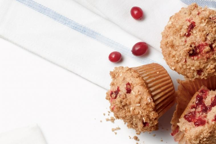 cranberry crumble muffins