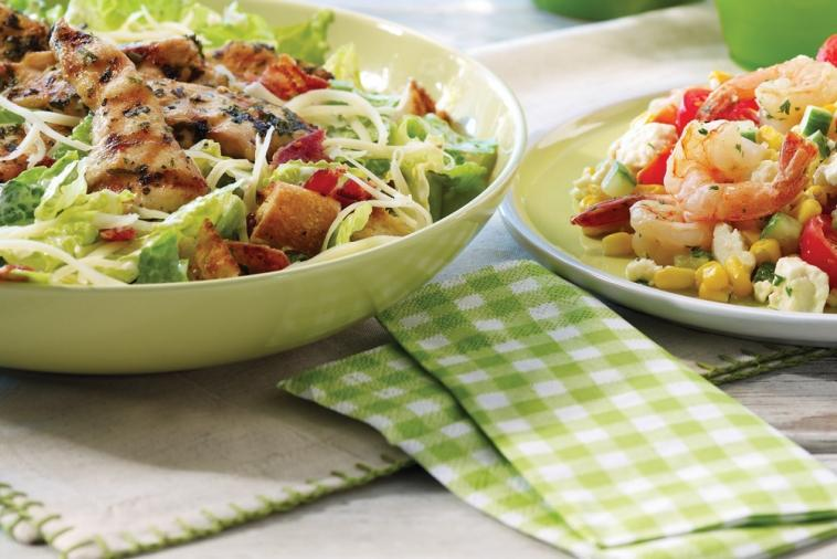 grilled chicken caesar salad with gouda