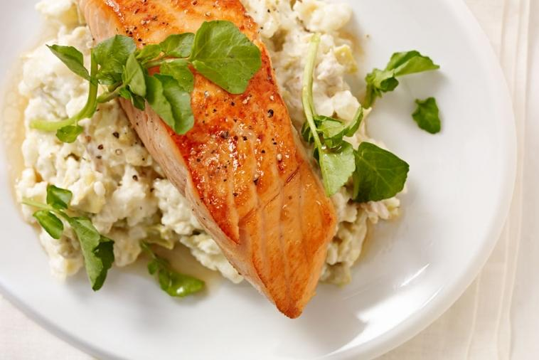 salmon fillet over cream cheese mashed potatoes