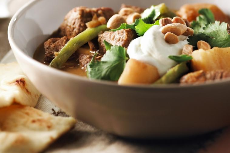 slow cooker beef potato curry