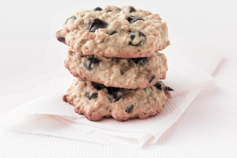 soft chewy oatmeal chocolate chip cookies
