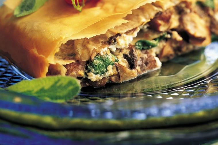 tre stelle ricotta mushroom and spinach strudel